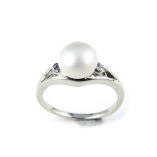 The Gemseller-Pearl ring made with Swarovski® Crystal white or purple
